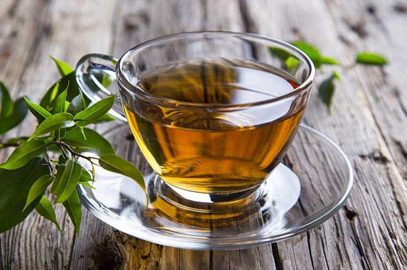 El té verde es rico en antioxidantes y sustancias que potencial la quema de tejidos adiposos
