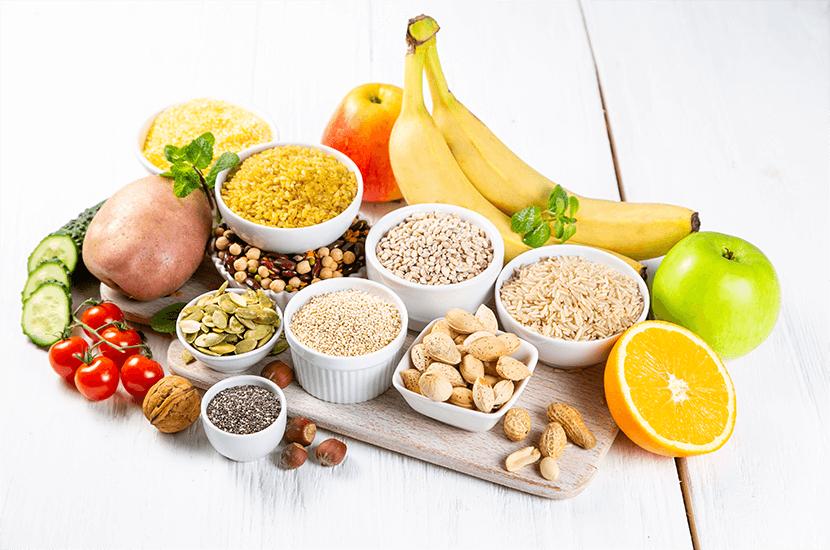 Los carbohidratos complejos te mantienen lleno por más tiempo y no elevan los niveles de azúcar en la sangre.
