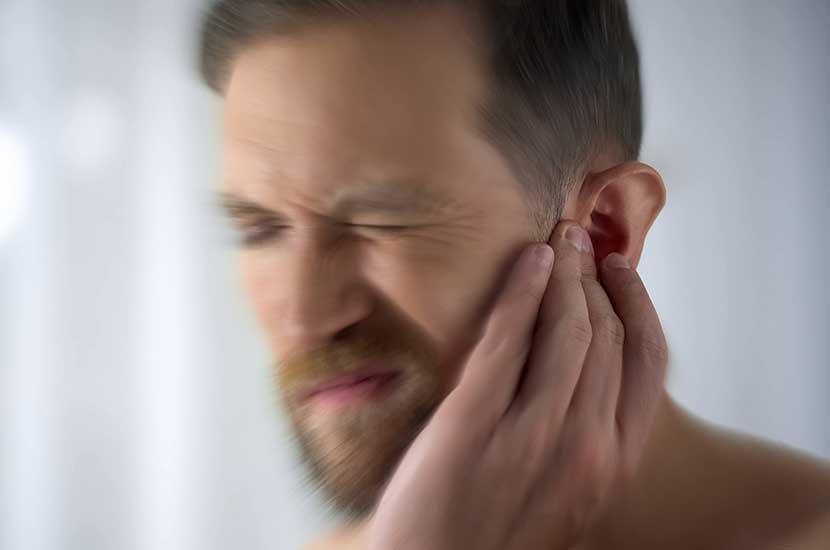 El tinnitus es un síntoma que deteriora el sistema auditivo
