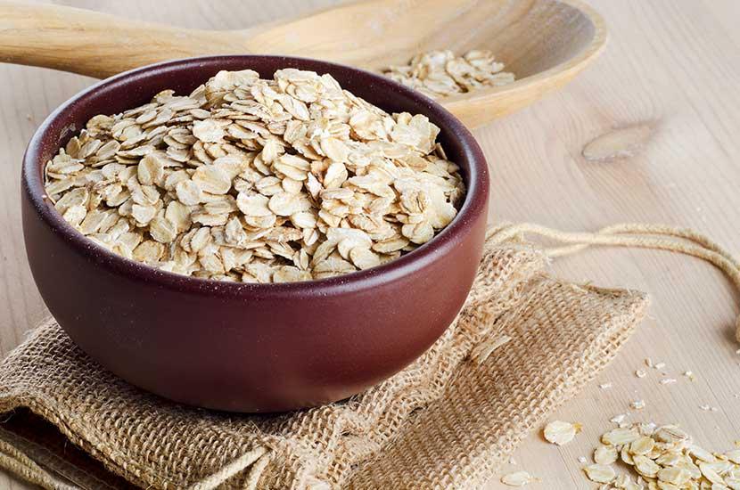 La avena aporta saciedad y puede regular los niveles de azúcares en la sangre