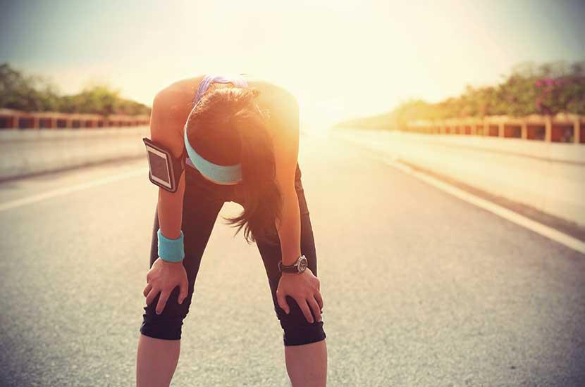 Hacer mucho deporte también puede afectar tus rodillas
