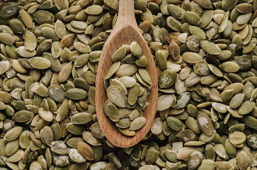 Las semillas de calabaza son ricas en zinc, lo que ayuda a aumentar la producción de esperma
