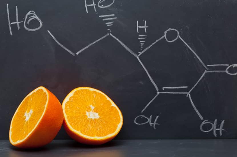 El déficit de vitamina C está asociado con mayores niveles de grasa corporal.