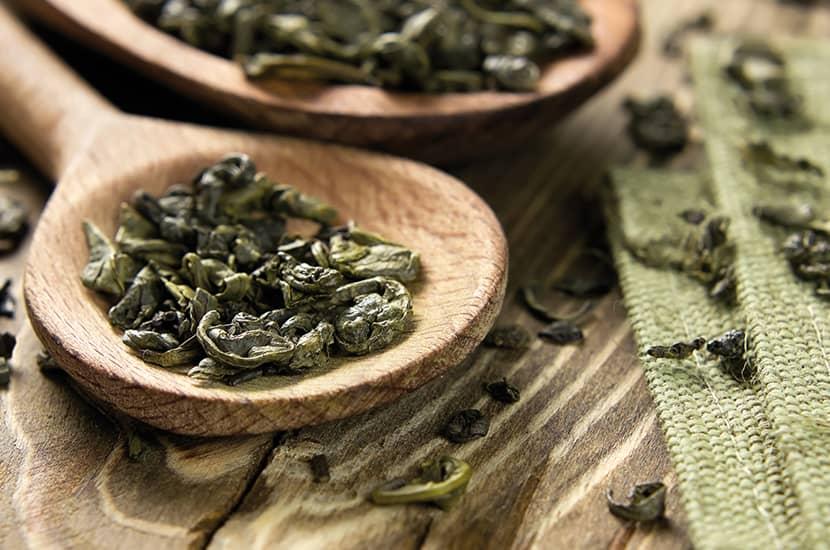 El té verde es conocido por sus amplias aplicaciones medicinales