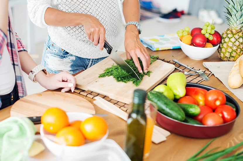 Evita los brotes de psoriasis alimentándote de manera saludable