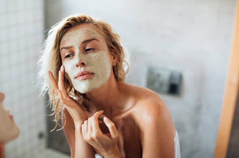 Novaskin es una mascarilla que se aplica directamente sobre la piel de la cara