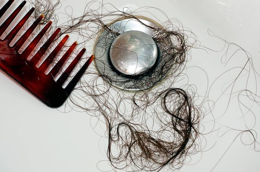 La caída de cabello suele empezar con la edad