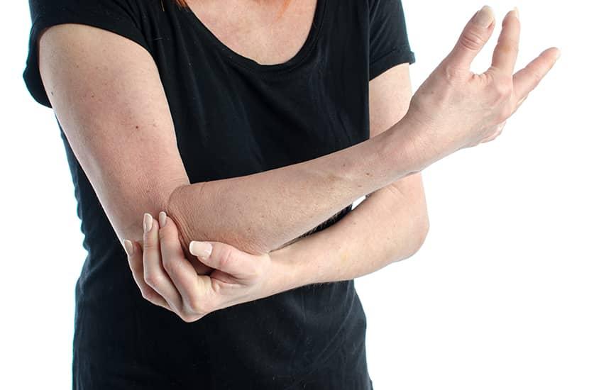 La artritis es la inflamación o degeneración de las articulaciones